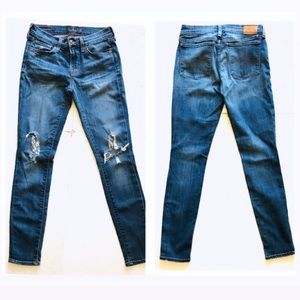 Lucky Brand Distressed Brook Skinny Jeans